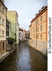 antigas, coloridos, edifícios, e, água, canal, ligado, a, kampa, ilha, em, praga, tcheco, republic.