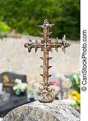 antigas, crucifixos