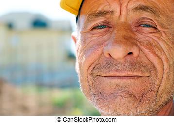 antigas, enrugado, homem, com, amarela, boné