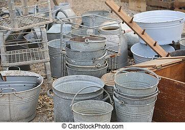 antigas, latas, venda, em, a, mercado pulga, e, antigüidades