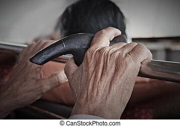 antigas, mãos homem, segurando, cana