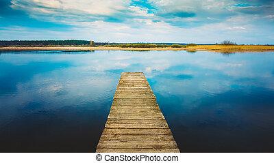 antigas, placas madeira, cais, ligado, água tranqüila, de, lago, rio