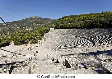 antiguo, anfiteatro, de, epidaurus, en, peloponisos, grecia