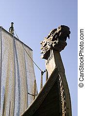 antiguo, barco, con, dragón, figura