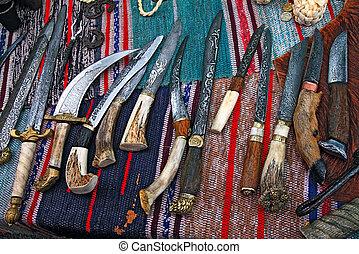antiguo, cuchillos