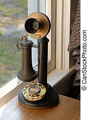 antiguo viejo, estilo, teléfono, lit, con, luz natural