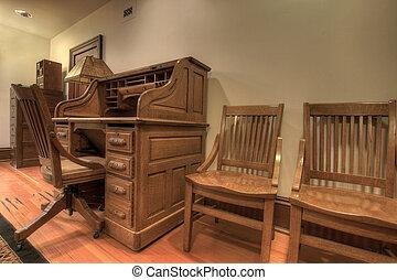 Antik, stol, eg, skrivebord kontor. Antik, swivel, kontor ...