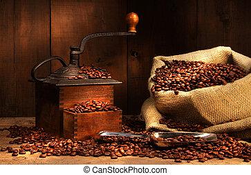 antik, grinder kaffe, hos, bønner