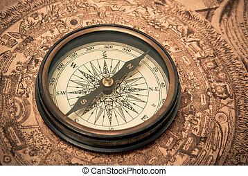 antik kompas, på, kort