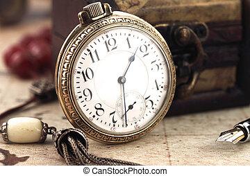 antikvitet, retro, ficka, klocka, och, dekoration, objekt