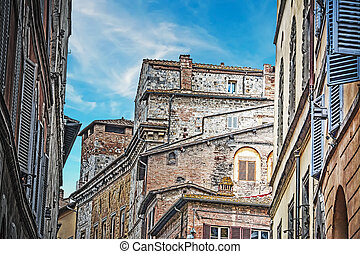 antique buildings in Siena