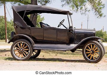 Antique Car - An old vintage antique car in mint condition.