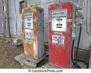 Antique gasoline pumps, Canon XTi, cheap gas