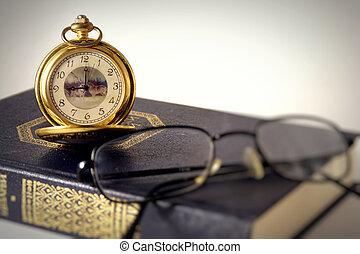 antiquité, clocks, et, livre