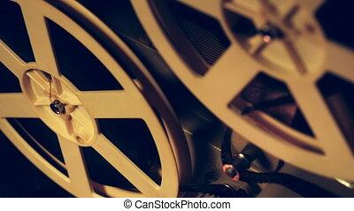 antiquité, sombre, bobines, projecteur, 8mm, room., vendange, démodé, haut, cinematograph, tourner, retro, objets, fin, vue., concept., super, jouer, pellicule