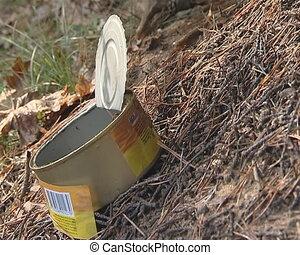 Ants running on preserves box emitt - Ants running through...