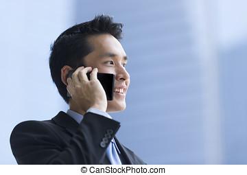 användande, smartphone., affär, kinesisk, man