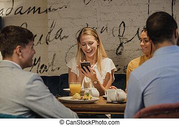 användande, smartphone, restaurang