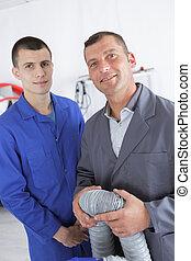 anwender, ventilatie, elektromonteur, pijpen, inspecteren