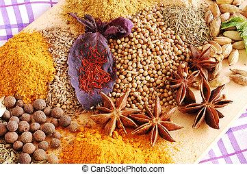 anyż, kurkuma, tymianek, gwiazda, kardamon, (saffron,...