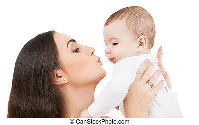 anya, csókolózás, neki, csecsemő