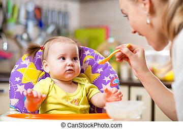 anya, kanál, táplálás, totyogó kisgyerek, gyermek