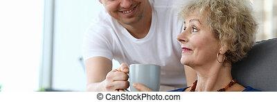 anya, törődik, idős, fiú