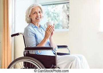 anziano, donna, carrozzella