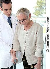 anziano, donna, dottore