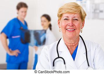 anziano, dottore medico