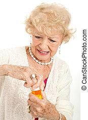 anziano, frustrato, con, prescrizione, berretto