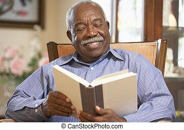 anziano, libro lettura, uomo