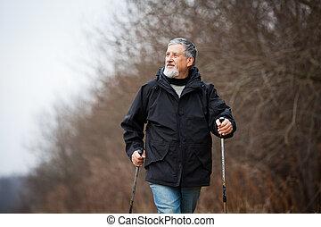 anziano, nordico, camminare, uomo