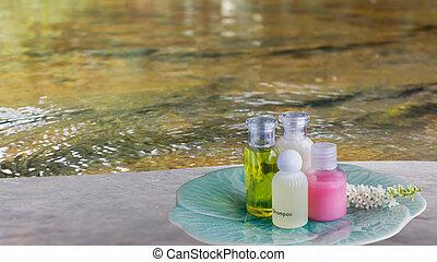 ao ar livre, fluxo, superfície, toque, banheiro, grupo, disposição, sabonetes, prato, natureza, água, fundo, relaxamento, gel, líquido, chuveiro, verde, garrafa, rocha, rio, macio, ou