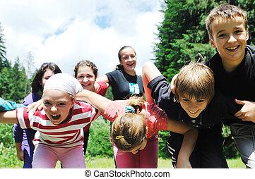 ao ar livre, grupo, criança