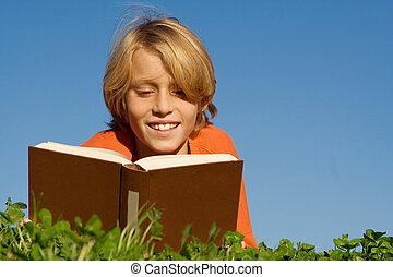 ao ar livre, leitura, criança, livro, feliz