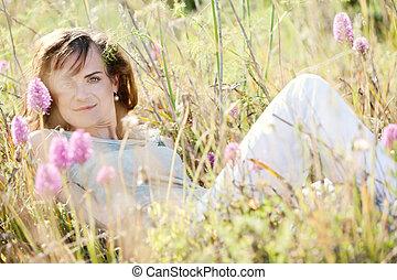 ao ar livre, mulher, morena, adulto, verão, sorrindo