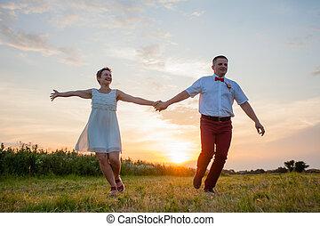 ao ar livre, natureza, par, verão, romanticos
