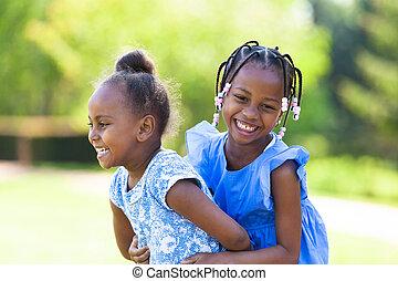 ao ar livre, pretas, rir, irmãs, retrato, cute, jovem