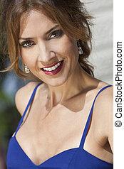 ao ar livre, retrato, de, um, bonito, mulher jovem, em, dela, thirties