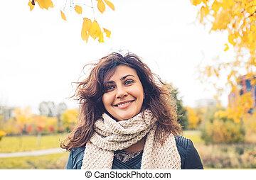 ao ar livre, retrato, mulher, parque, feliz
