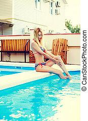 ao ar livre, sentando, swimsuit, biquíni, mulher, piscina