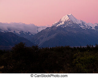 Romantic sunset at Aoraki, Mount Cook, highest peak of Southern Alps, an iconic New Zealand landscape