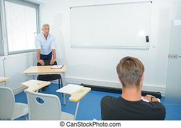 após, professor, ajudando, estudante, um, classe