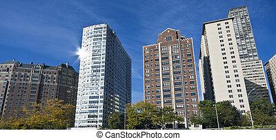 Apartaments along Lake Shore Drive - Chicago, IL.