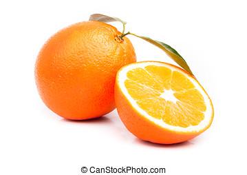 apelsin, och, delad, apelsin, med, bladen, vita, bakgrund