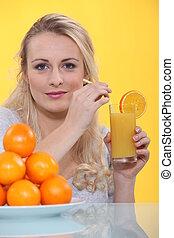 apelsinsaft, drickande, kvinna, glas