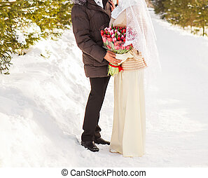 apenas casado, musulmán, pareja, en, naturaleza del invierno