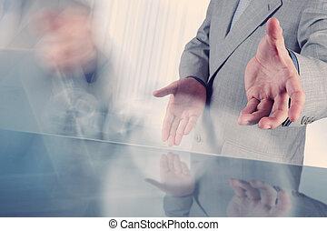 apertando, servidor, homem negócios, touchscreen, backgro, mão, botão