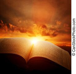 aperto, vecchio, libro, luce, da, cielo tramonto, heaven., educazione, religione, concetto